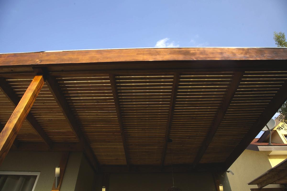 Como hacer un techo de madera en el patio modern patio - Como hacer un porche de madera ...
