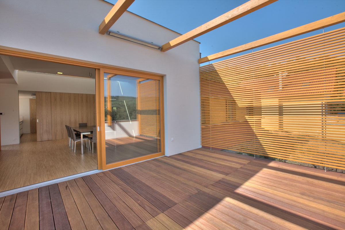 Terrazas de madera terraza y madera for Que piscina puedo poner en una terraza
