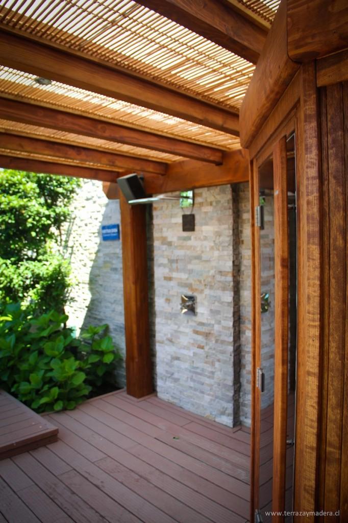 Terrazas de madera terraza y madera for Modelos de techos para galerias