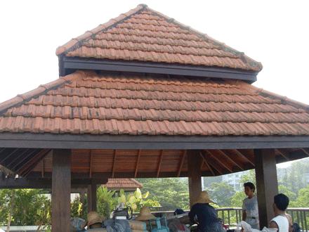 P rgolas de madera reparaciones y mantenimiento peri dico for Techos de teja para terrazas
