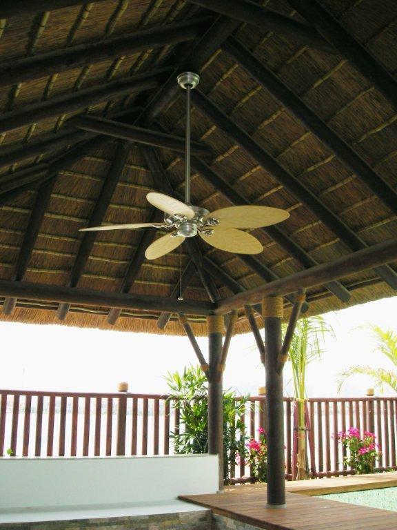 Ventiladores de techo para terrazas y p rgolas - Ventiladores de techo de madera ...