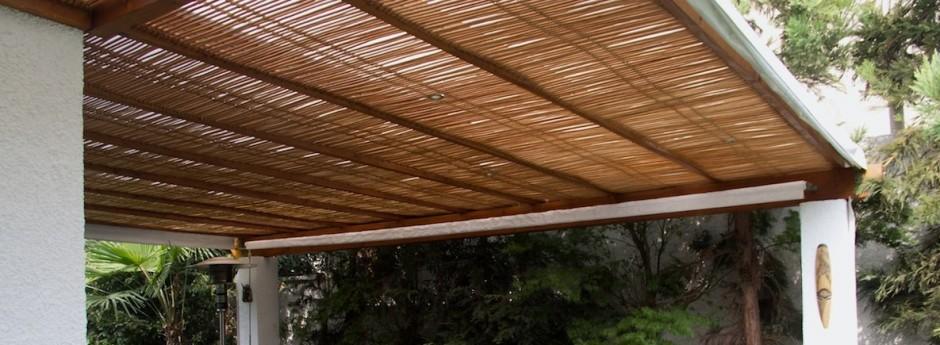 Muebles de terraza hechos de madera for Muebles para terraza en madera