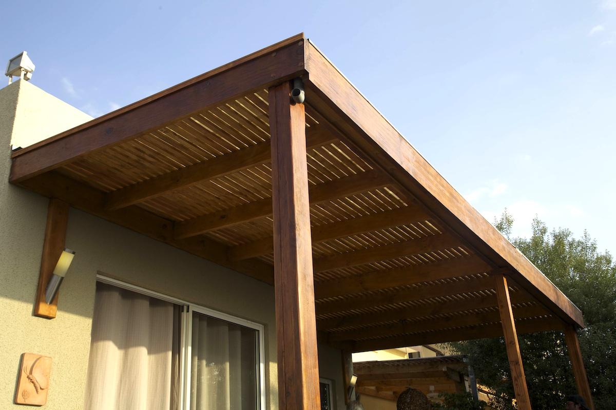 Cobertizos en madera construcci n y mantenimiento for Terrazas de madera para casas