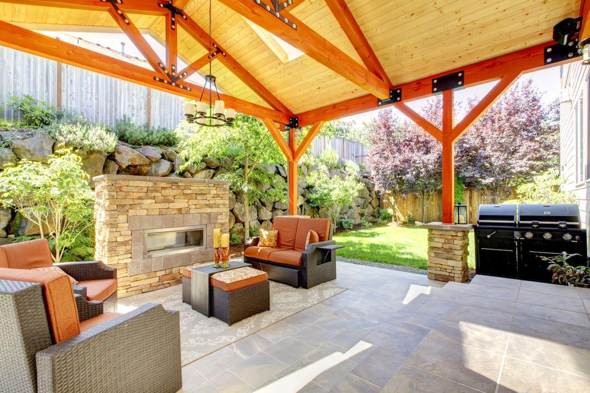 Quinchos de madera terraza y madera for Terrazas traseras